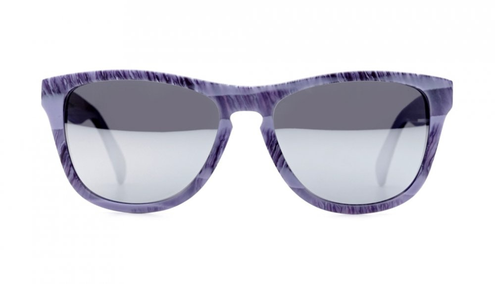 Affordable Fashion Glasses Square Sunglasses Women Venice Beach Frosted Petals Front